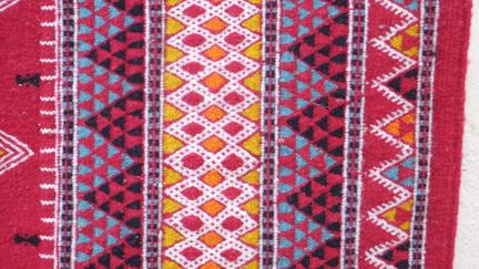 tapis klim berb re tapis tunisien tapis marocain mergoum et kilim tapis artisanal. Black Bedroom Furniture Sets. Home Design Ideas